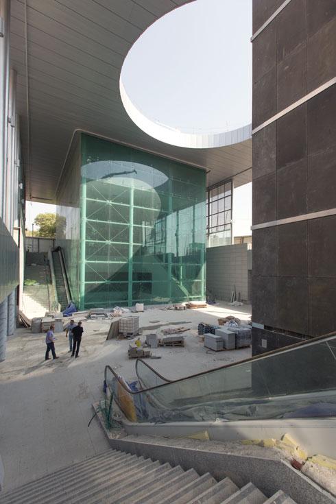 האם מדובר באדריכלות ירושלמית או באייקון באופן כללי? כרגע, קשה להתרשם (צילום: דור נבו)