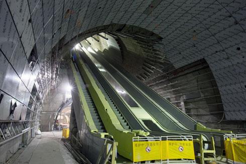 הדרגנועים. אפשר גם לרדת במעליות (צילום: דור נבו)