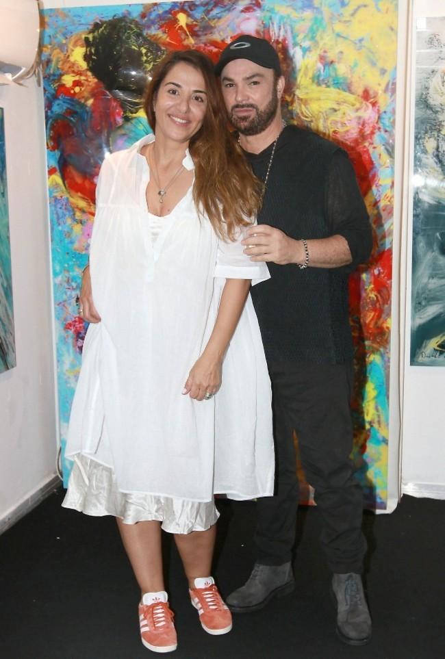 יש הנחת סלב לציורים? דוד ד'אור ואשתו פזית (צילום: ענת מוסברג)