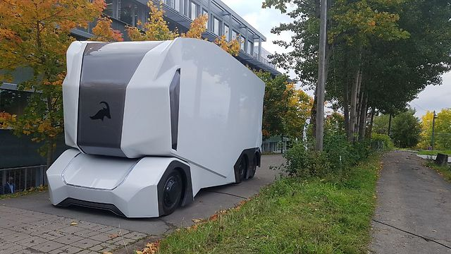 משאית חשמלית ללא נהג (צילום: ירון דרוקמן)