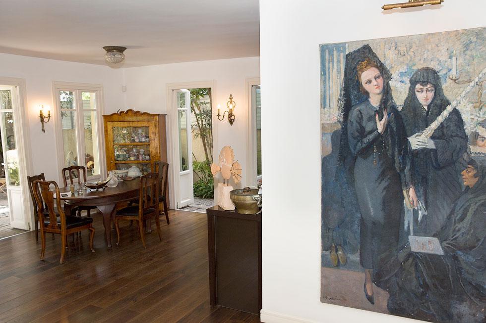 """""""באתי ממשפחה שבה מאוד אהבו אמנות, חפצים מיוחדים"""" (צילום: ענבל מרמרי)"""
