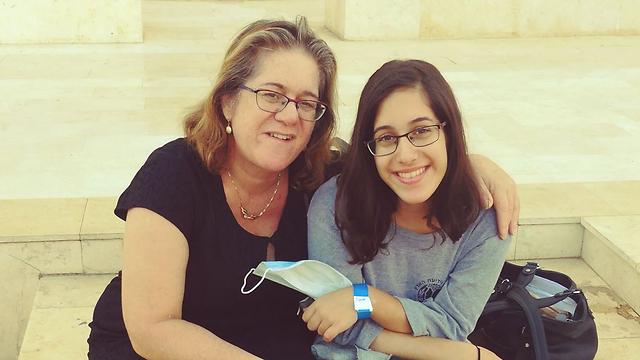 חנה ובתה הוד