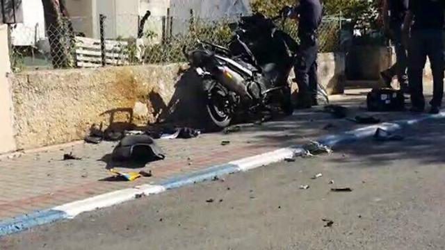 """האופנוע שפוצץ בצפון תל אביב אתמול אחה""""צ. """"מעריכים שיש קשר בין האירועים"""""""