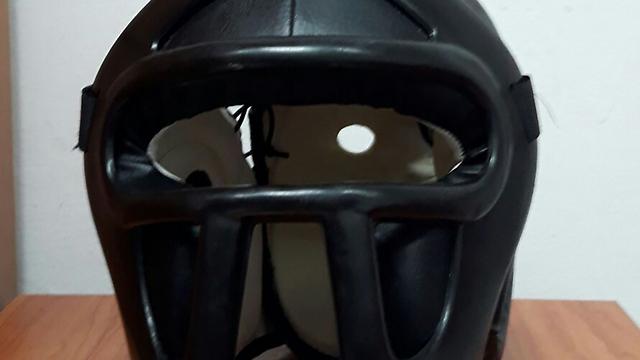המסיכה של החשוד (צילום: דוברות המשטרה)