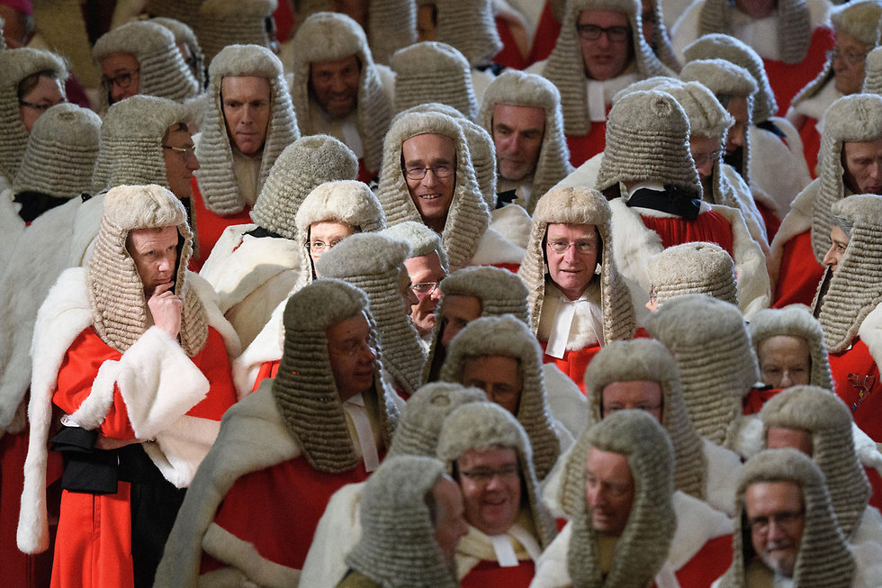 שופטים מתכוננים לטקס פתיחתה של שנת המשפט. לונדון, אנגליה (צילום: gettyimages)