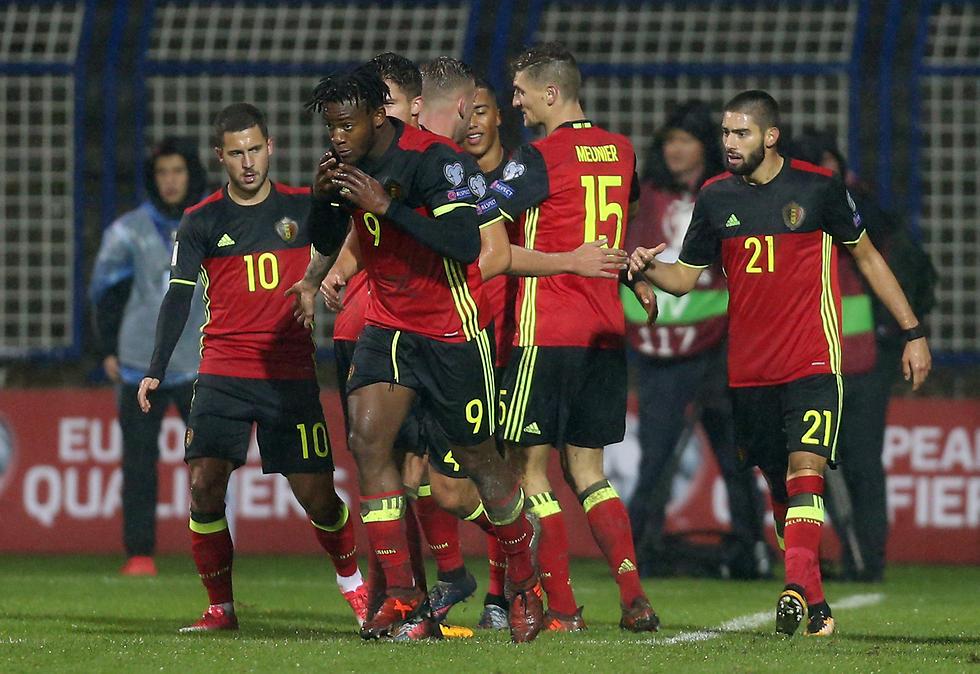 איזה מקום עדיף - הראשון או השני? נבחרת בלגיה (צילום: רויטרס) (צילום: רויטרס)