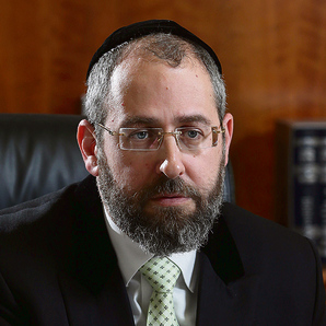 Ashkenazi Chief Rabbi Lau supports the bill