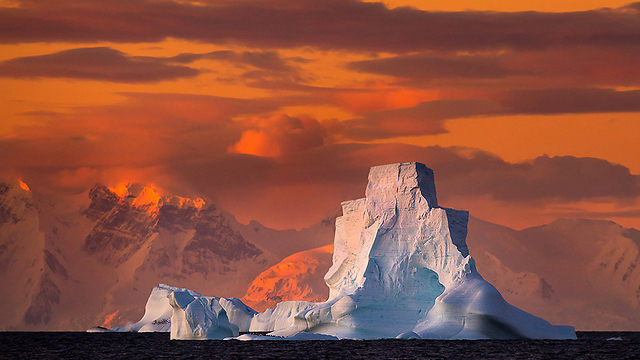 """""""שקיעתה של אנטארקטיקה"""" (צילום: רועי גליץ)"""