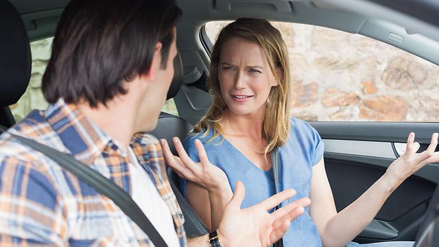 זוגות צריכים להתמודד עם רמה סבירה של קונפליקטים (צילום: Shutterstock) (צילום: Shutterstock)