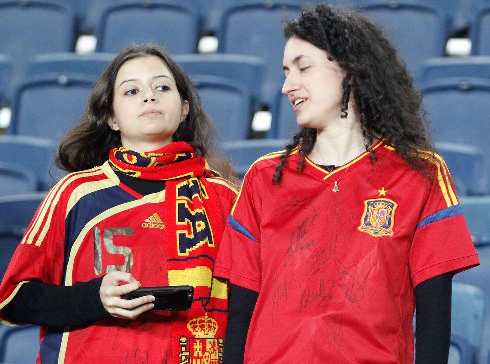 אוהדי נבחרת ספרד הגיעו בהמוניהם לטדי (צילום: ראובן שוורץ) (צילום: ראובן שוורץ)