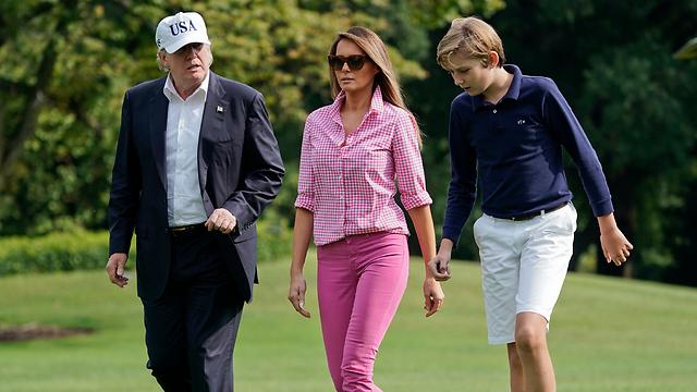 Мелания с мужем и сыном. Фото: AP