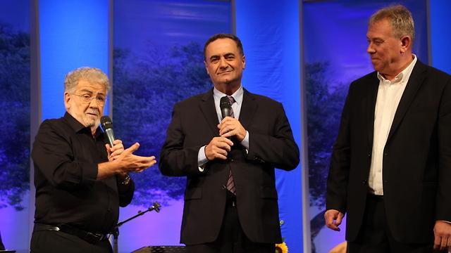עופר זלביגר, ישראל כץ ויוסי אלפי (צילום: תיאטרון העם)