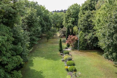 הגן היה גדול אף יותר, אך את חלק משטחו מכר הנס מולר (צילום: בנימין פון ראדום)