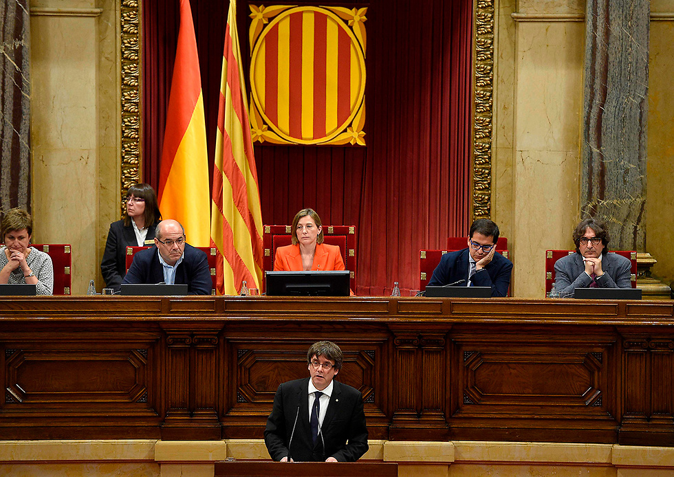 Puigdemont speaks before parliament (Photo: AFP)