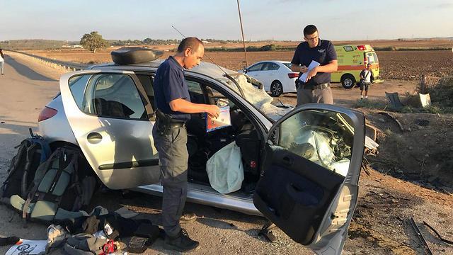 התאונה הקטלנית ליד קריית מלאכי, אתמול (צילום: דוברות המשטרה)