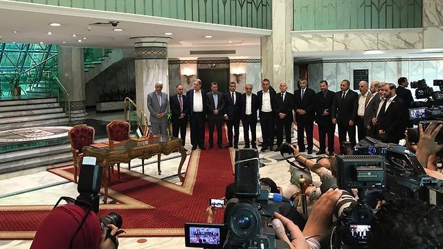 נציגי חמאס ופתח לפני מסיבת העיתונאים בקהיר