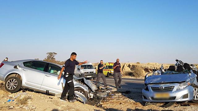 התאונה בצפון הנגב, ליד חוות הקקטוסים (צילום: רועי עידן)