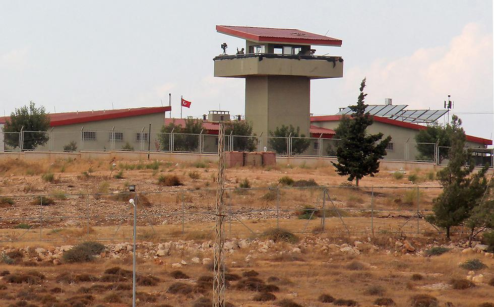 מוצב טורקי סמוך לגבול סוריה (צילום: AFP)