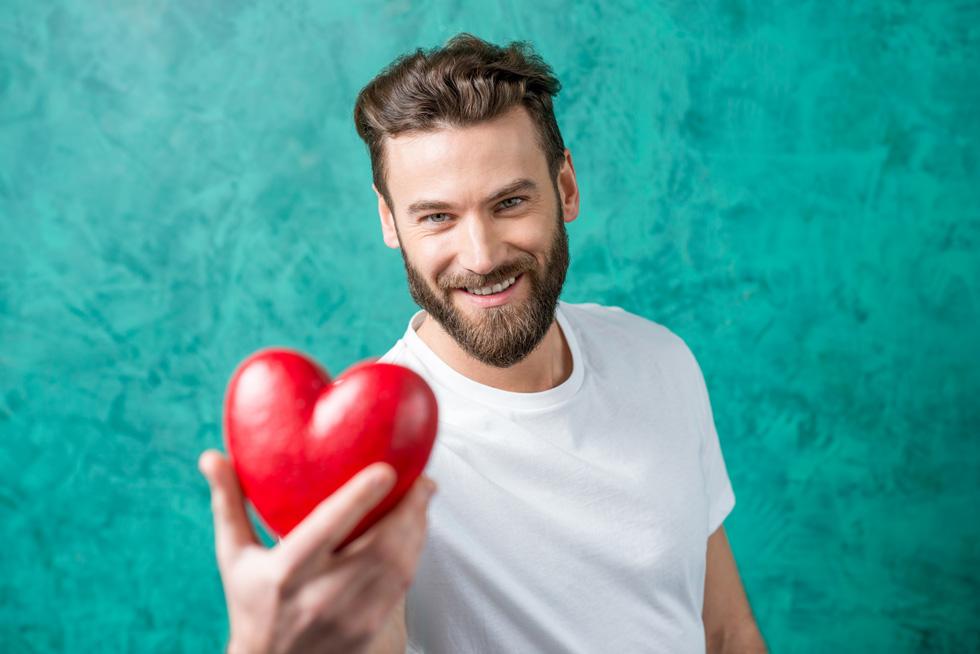 התאהבות יכולה להיות מעוורת, ובהתחלה קשה לזהות שמדובר בלאב בומבינג (צילום: Shutterstock)