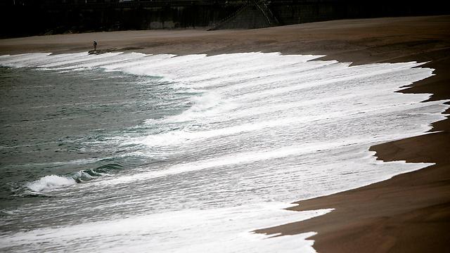 חוף בריטניה. הים יהיה סוער, צפויים שיטפונות (צילום: EPA) (צילום: EPA)