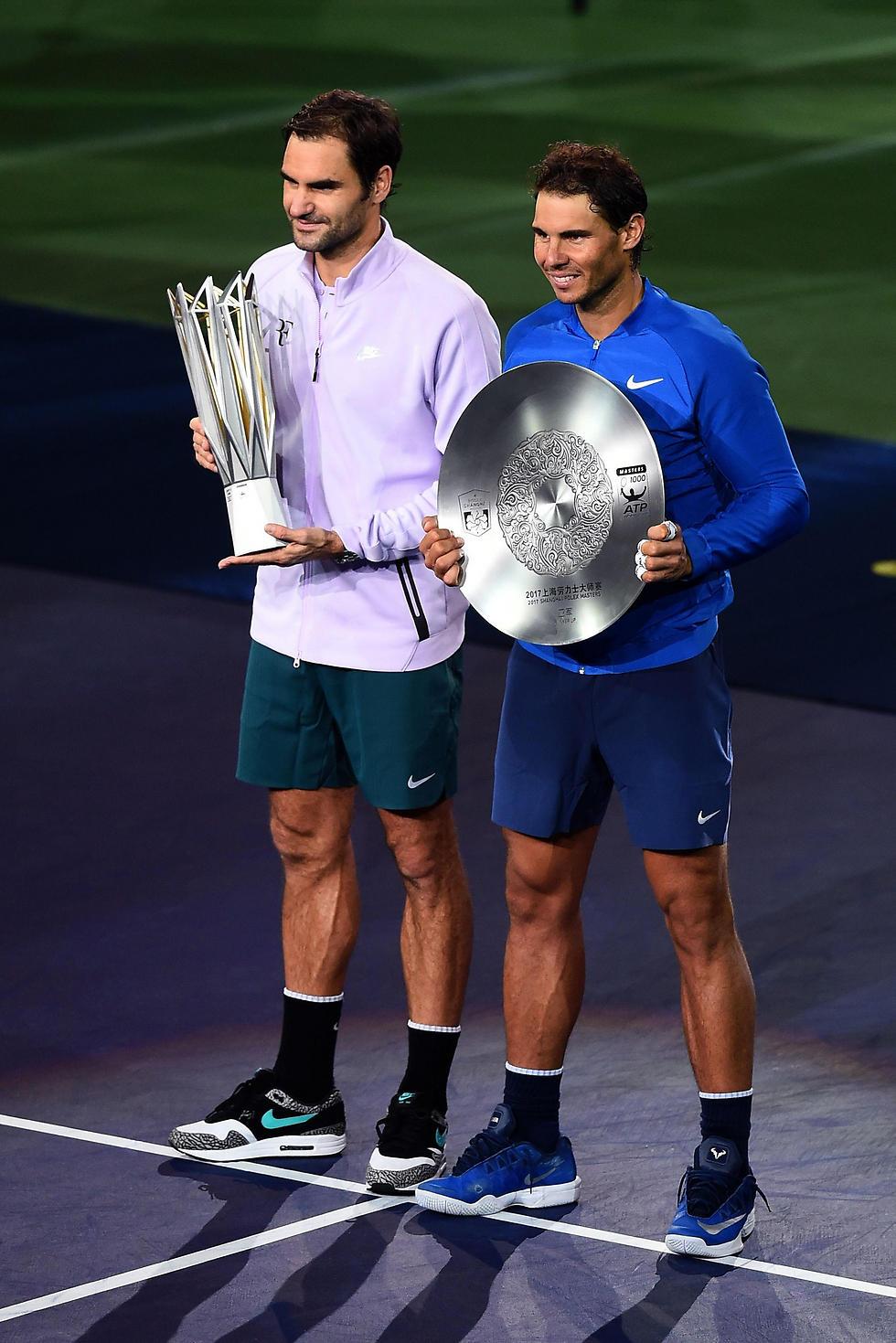 אחרי הגמר בשנגחאי. נדאל ופדרר (צילום: AFP)