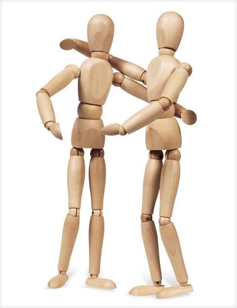 מחקרים מצאו שמגע מעלה את רמת ההורמון המקושר לתחושת סיפוק, אהבה וביטחון ובמקביל מפחית את רמותיו של הורמון הסטרס  (צילום: Shutterstock)