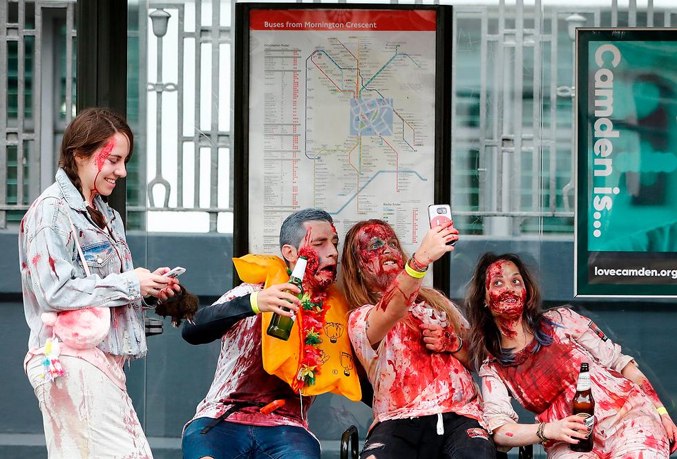יום הזומבים העולמי בלונדון (צילום: AFP) (צילום: AFP)