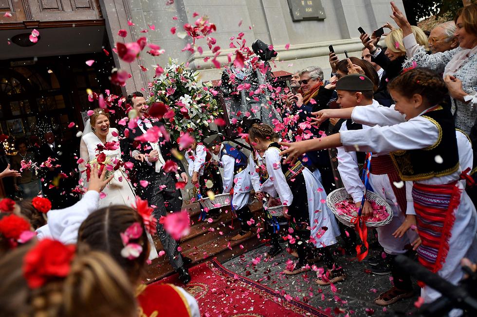 הנסיך פיליפ מסרביה התחתן עם הציירת והפסלת דאניקה מרינקוביץ' (צילום: AFP) (צילום: AFP)