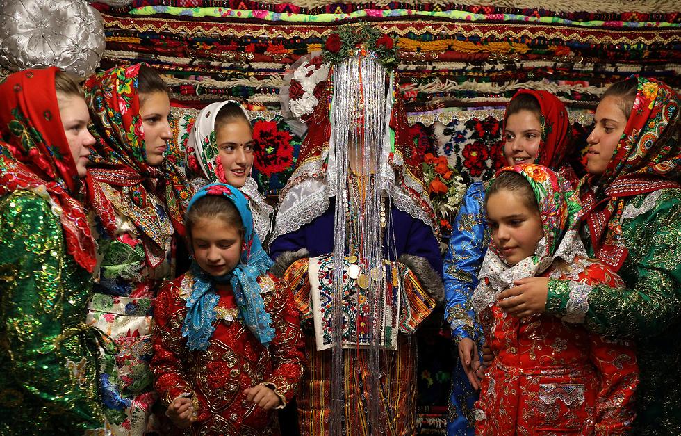 כלה מוסלמית בחתונתה בכפר דראגינובו, בולגריה (צילום: רויטרס) (צילום: רויטרס)