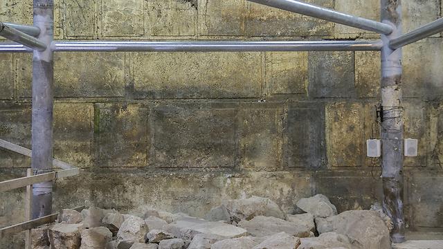 בחפירה נחשפו שמונה נדבכים מאבני הכותל (צילום: יניב ברמן, באדיבות רשות העתיקות) (צילום: יניב ברמן, באדיבות רשות העתיקות)