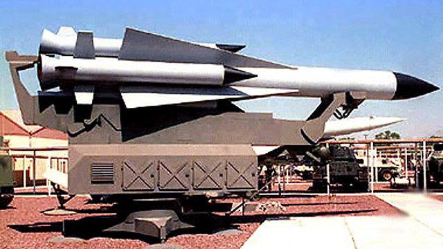 טיל SA-5 על משגר מהדגם שנוטרל (צילום: חיל האוויר האמריקאי בסיס נליס) (צילום: חיל האוויר האמריקאי בסיס נליס)