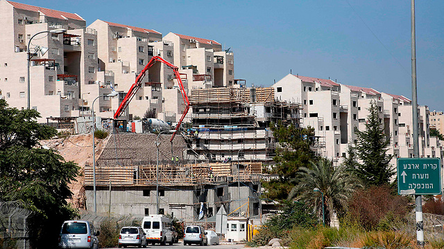 Housing construction near Hebron (Photo: AFP)