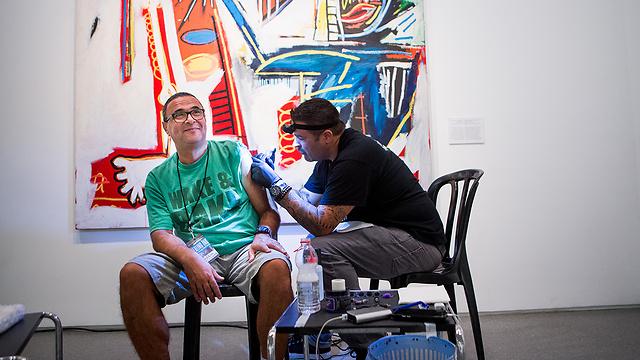 Avi Antebi. 'The tattoo relates to me, not to the injury'  (Photo: Alex Kolomoisky)