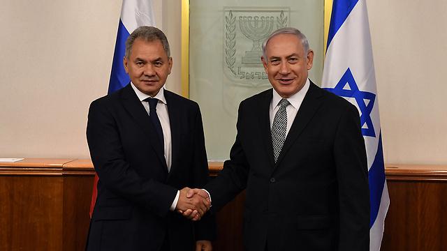 PM Netanyahu with Russia's Minister of Defense Sergey Shoygu  (Photo: Haim Zach/GPO)
