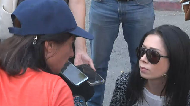 ראידמן עם חנה עקיבא, היום מול בית ראש הממשלה (צילום: גל ארבל) (צילום: גל ארבל)