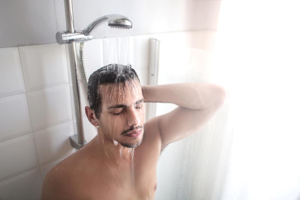עם מאיץ חום: מקלחת חמה תוך חצי שעה, במקום תוך שעתיים (צילום: shutterstock)