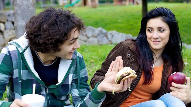 הפרעת האכילה משפיעה על שאר האחים במשפחה (צילום: shutterstock) (צילום: shutterstock)