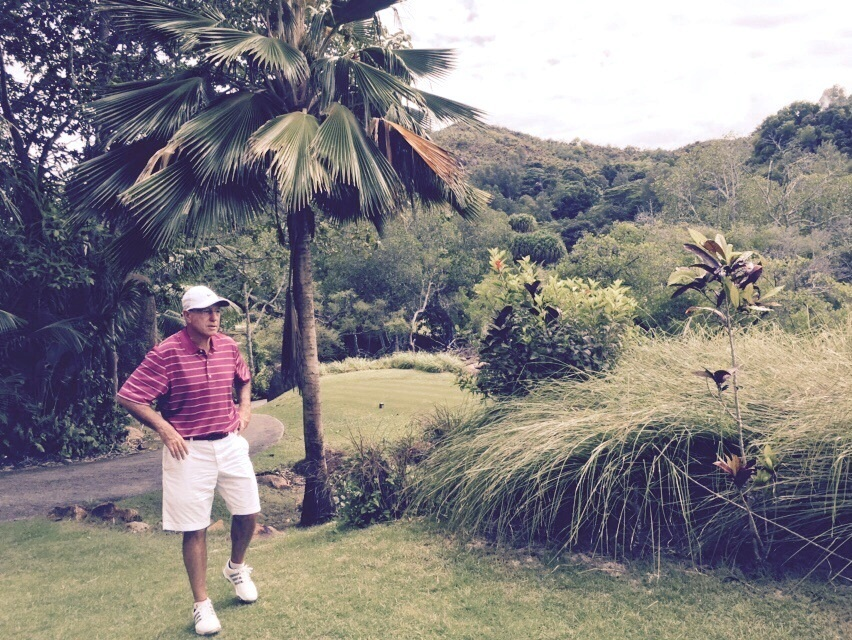במהלך משחק גולף. סער ()