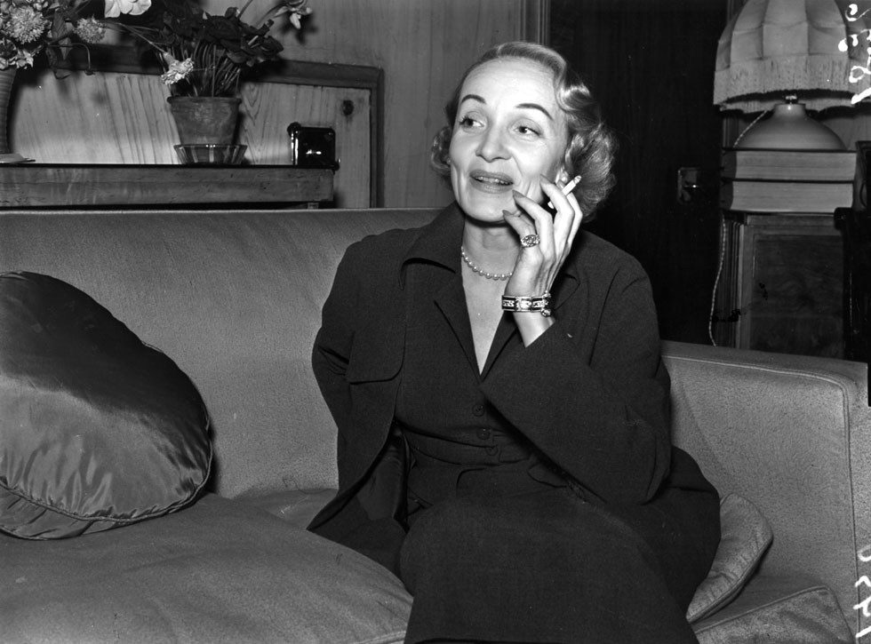 ב-1950, בלונדון. הלהיט שלה תורגם לשפות רבות, כולל עברית (צילום: Gettyimages)