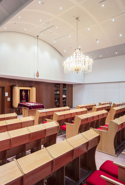 בית הכנסת ובית המדרש בקומת התווך  (צילום: עמית גרון)