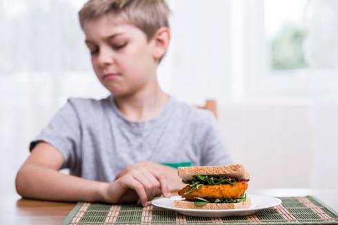 תאמינו לו: כל כולו משדר שלא יאכל עוד פירור (צילום: Shutterstock)
