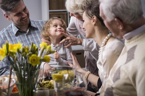 העיקר שתאכל משהו: סרט משפחתי שכדאי לצאת ממנו (צילום: Shutterstock)
