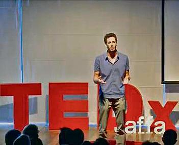 אחרי ההרצאה שלו, גם אתם תפסיקו לצפות בפורנו. גבריאלי על בימת TEDx