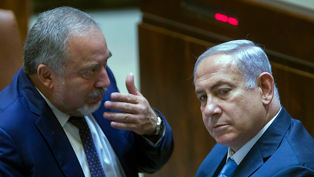 PM Netanyahu and Defense Minister Avigdor Lieberman (Photo: EPA)