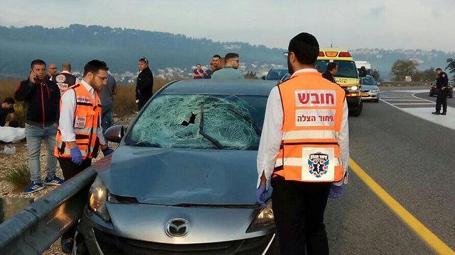 זירת התאונה בכניסה לפקיעין החדשה (צילום: דוברות איחוד והצלה) (צילום: דוברות איחוד והצלה)