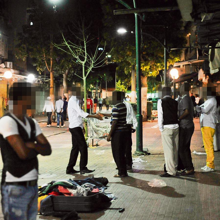 התחנה המרכזית הישנה,  תל־אביב. במובנים רבים, הסיפור של מונגוזה הוא הסיפור של קהילת הזרים בישראל. זוהר יותר, לכאורה