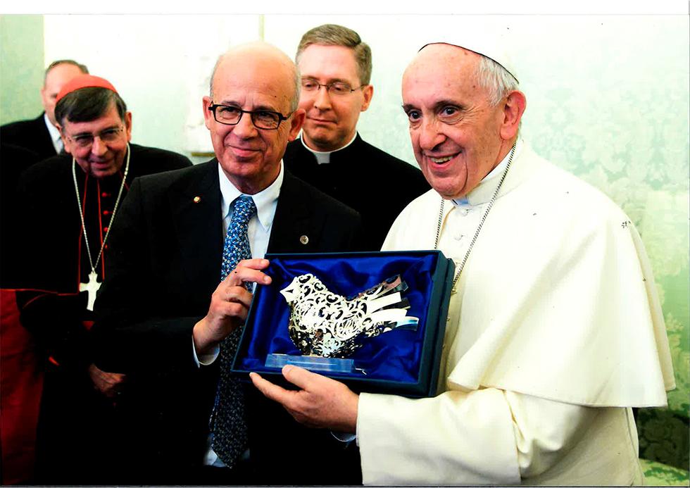 האפיפיור ויוסף קלפטר (צילום: L'Osservatore Romano) (צילום: L'Osservatore Romano)