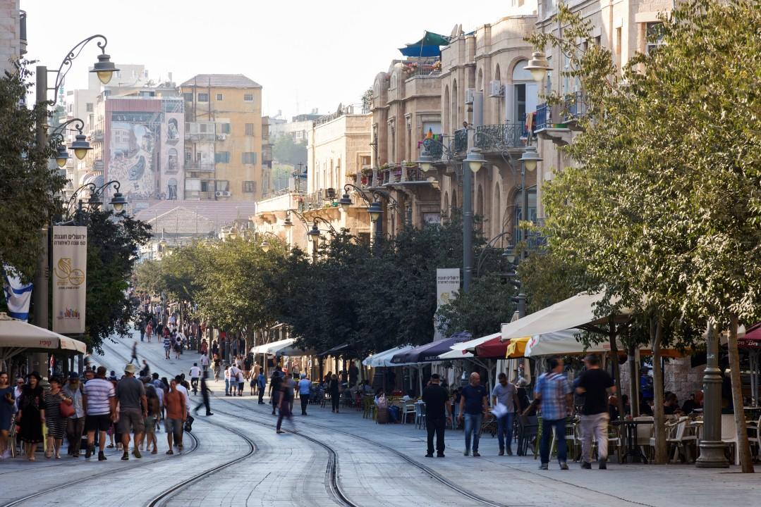 תמיד נמצאים בלב הערים הגדולות - המדרחוב בירושלים (צילום: יעל הרמן) ()
