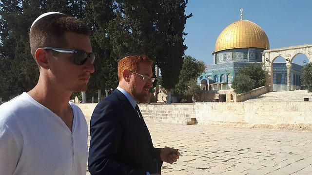 MK Glick (R) and his son Shlomo, Temple Mount complex (Photo: Saadia Gordetsky)