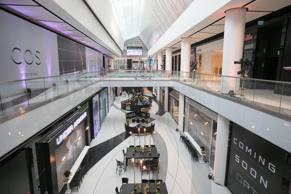 מיד אחרי שבוע האופנה האחרון נפתח הקניון לקהל (צילום: טל שחר)